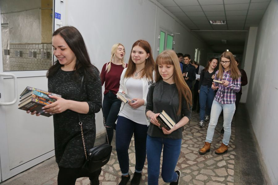 Пособие до 3,2 тысячи рублей на школьников из многодетных семей выплачивают в Красноярском крае