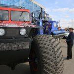 В «Сибири» собралось около двух десятков «внедорожников», готовых преодолеть любые препятствия