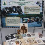 На площадке фестиваля «Высоцкий и Сибирь» представлены экспонаты из частной коллекции – пластинки, бюллетень «Вагант» 90-х годов