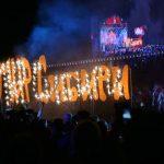 В финале конкурсной программы буквы «Мир Сибири» превратились в праздничный фейерверк.