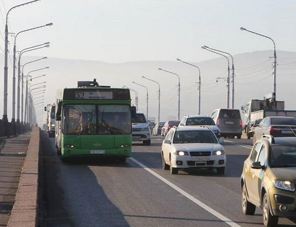 В Октябрьском районе Красноярска убрали 50 метров выделенной полосы