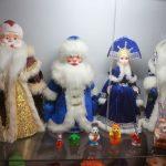 Продукция фабрики – от Деда Мороза до крошечной мышки, постоянно проверяется на безопасность