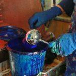 «Ручка» шара – это пока еще не отрезанный кусочек стеклянной трубки