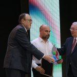 Из Назарово за заслуженной наградой на церемонию приехал Дмитрий Осипов, который занимается пауэрлифтингом и керлингом