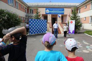 Сирень Победы ко Дню памяти и скорби. Красноярск, 13 июня 2019 года