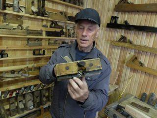 Основатель уникального музея рубанка Виталий Ислентьев