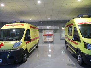 Одно из нововведений хирургического корпуса - закрытый бокс, в который могут одновременно въехать до трех машин \