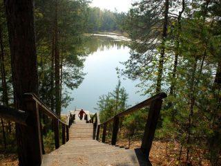 Легендарное Монастырское озеро - достопримечательность Енисейского района
