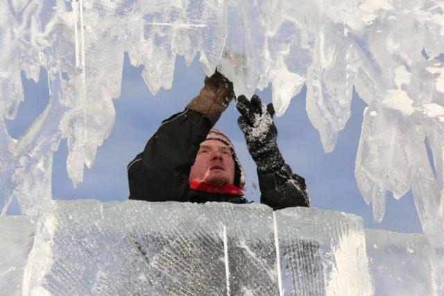 Подготовка к фестивалю-конкурсу «Волшебный лед Сибири» в Красноярске. 15 января 2020 года