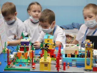 Состязания юных создателей роботов пройдут в четырех возрастных группах, в том числе от 4 до 6 лет