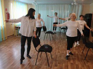 Боди-балет - прекрасная альтернатива адаптивной физической культуре, и как нельзя лучше подходит для людей старшего поколения
