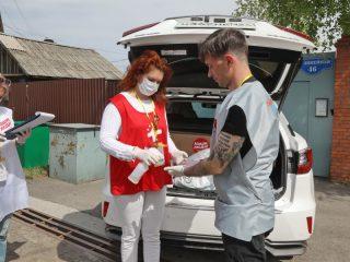 Волонтеры строго соблюдают все меры безопасности