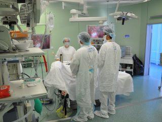 За 2019 год специалисты краевого онкодиспансера оказали высокотехнологичную медицинскую помощь 597 пациентам по квотам ОМС и федерального бюджета. На 2020 год запланировано 595 квот