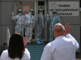 Новая смена сотрудников кардиоцентра уходит в «красную зону»