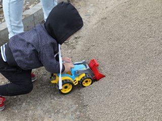 Маленький строитель парка