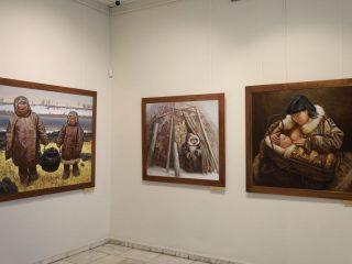 Помимо культуры других стран, его интересует культура коренных народов Сибири и Севера