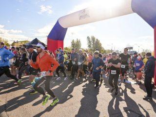 Более подготовленные спортсмены пробежали 10 км