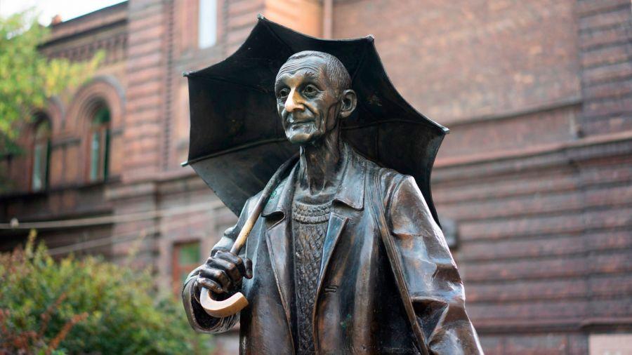 Пространство вокруг памятника Андрею Поздееву в Красноярске преобразят для пешеходов