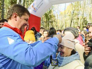 На финише медали вручал Павел Ростовцев