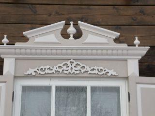 Реставраторам удалось сохранить оригинальные наличники дома на улице Горького, 11а, которые изначально планировали заменить