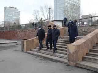 Сегодня, 11 ноября, Александр Усс посетил Ярыгинскую набережную, где завершается второй этап благоустройства