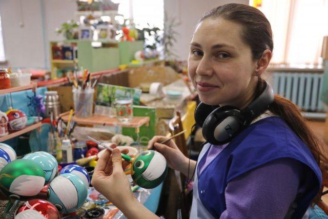 Фабрика елочных игрушек «Бирюсинка». Красноярск. 7 декабря 2020 года   Наш Красноярский край