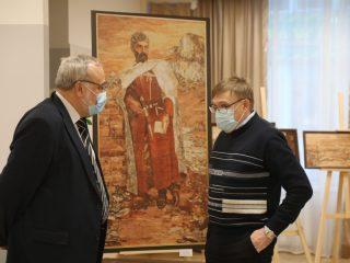 Фотографии, живописные полотна и предметы быта знакомят с прошлым и настоящим самого северного района Красноярского края