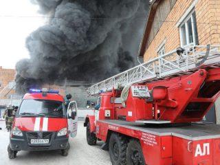 Площадь, охваченная огнем, – 800 кв. метров