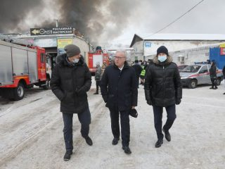Губернатор, побывав на месте пожара, отметил, что в поисках людей остается надеяться только на чудо