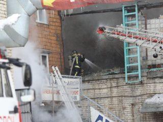 Следственные органы в Красноярске возбудили уголовное дело по факту гибели рабочего в результате пожара на складе автозапчастей