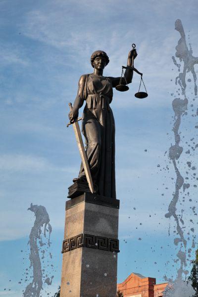 Оглашен приговор ограбившим красноярских инкассаторов