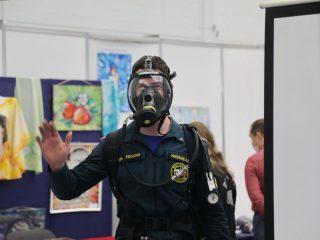 В выставке приняли участие больше 50-ти учебных заведений, но самой заметной стала Сибирская пожарно-спасательная академия ГПС МЧС России