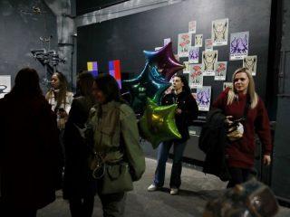 Посетителей ждут тематические перформансы, лекции, выступления музыкантов картины и скульптуры красноярских художников