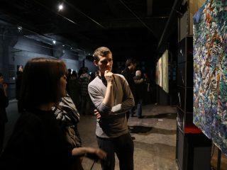 Выставка работает с 10 по 17 апреля с 12:00 до 21:00