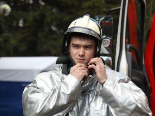 Любой желающий может примерить боевую экипировку пожарного, попробовать потушить возгорание огнетушителями
