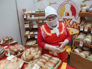 Красноярцы и гости города тоже могут оценить продовольственные товары, представленные краевыми производителями и предпринимателями из Сибирского федерального округа