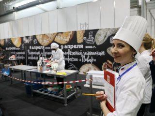 Мастерство конкурсантов, которые приехали в Красноярск со всей России, чтобы побороться за звание лучших, оценивает высокопрофессиональное международное жюри