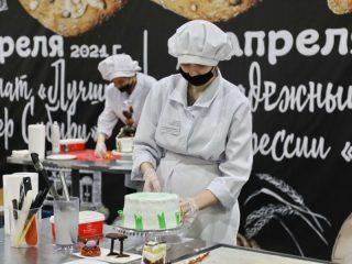 На соревновании молодых кондитеров торты должны быть не только вкусными, но и красивыми