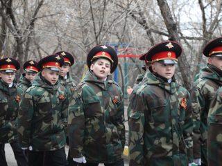 Кадеты приветствуют участников Великой Отечественной войны