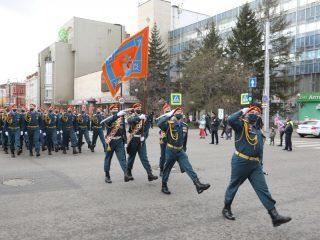 В центре города состоялось торжественное шествие в честь Дня Победы