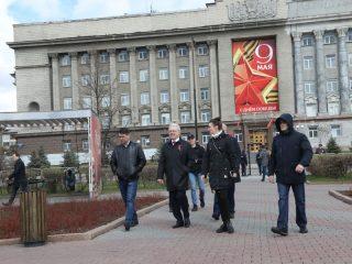 Земляков поздравил с праздником губернатор Красноярского края