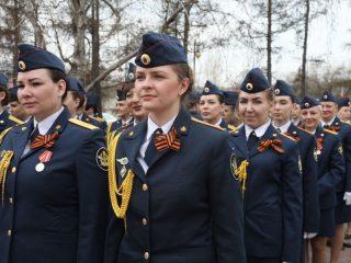 Двадцать молодых сотрудников уголовно-исполнительной системы Красноярского края приведены к присяге на верность Родине сегодня, 7 мая