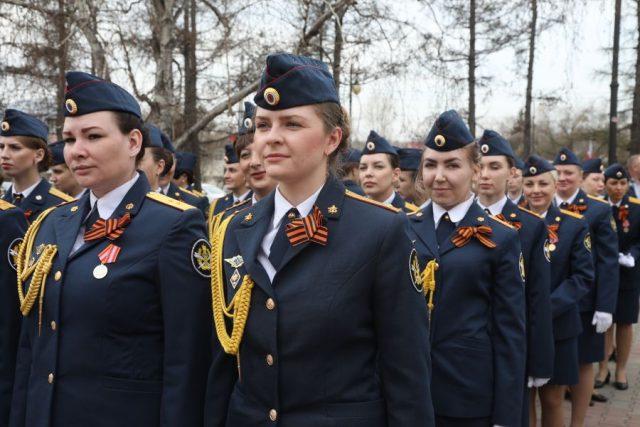 Красноярские сотрудники УИС приняли присягу у мемориала Победы