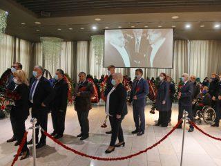 На церемонию прощания приехали депутаты Законодательного собрания края