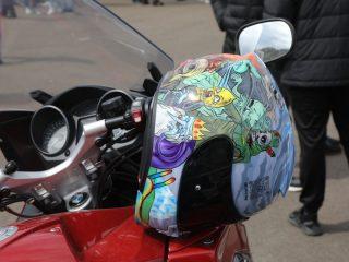 Каждый байкер старается украсить транспорт и экипировку в соответствии со своим вкусом