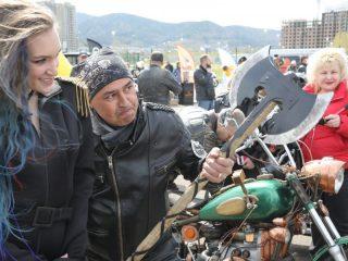 Немало в Красноярске и девушек-байкеров. Главное, что объединяет их с мужчинами, – любовь к адреналину