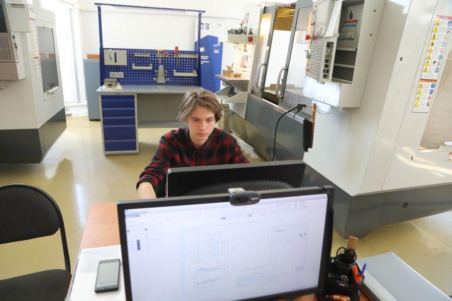 Каждый второй красноярский школьник рассчитывает работать в области IT