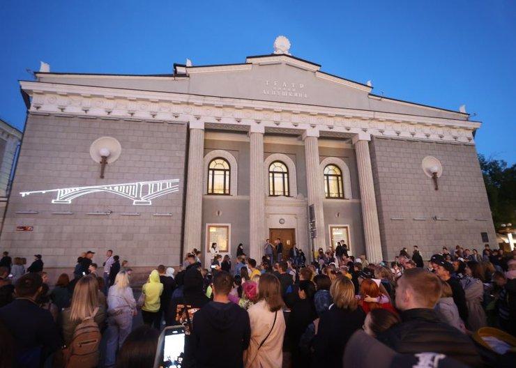 В День России красноярцам показали лазерное шоу