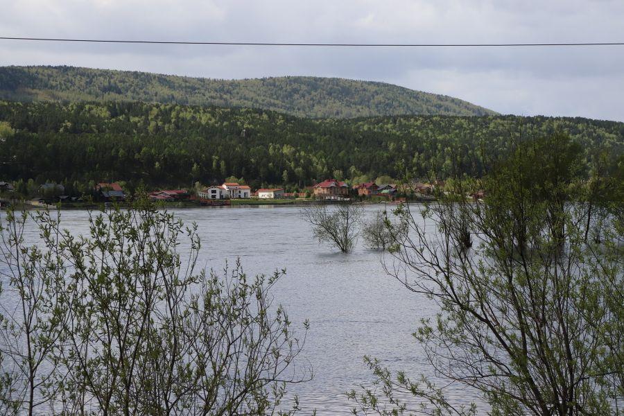 Движение речных трамвайчиков с Торгового центра до Усть-Маны приостановлено из-за паводка