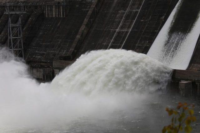 На Красноярской ГЭС открыты затворы | Наш Красноярский край